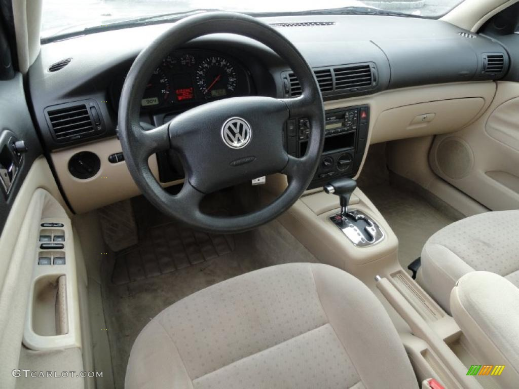 Beige Interior 2001 Volkswagen Passat Gls Sedan Photo 42413788