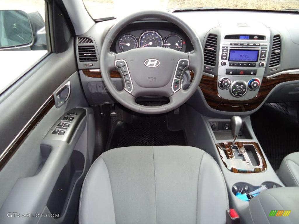 gray interior 2010 hyundai santa fe se photo 42471062. Black Bedroom Furniture Sets. Home Design Ideas