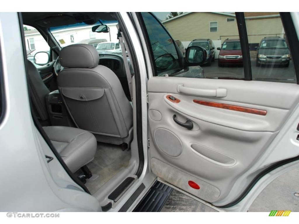 2000 Lincoln Navigator Standard Navigator Model Door Panel Photos
