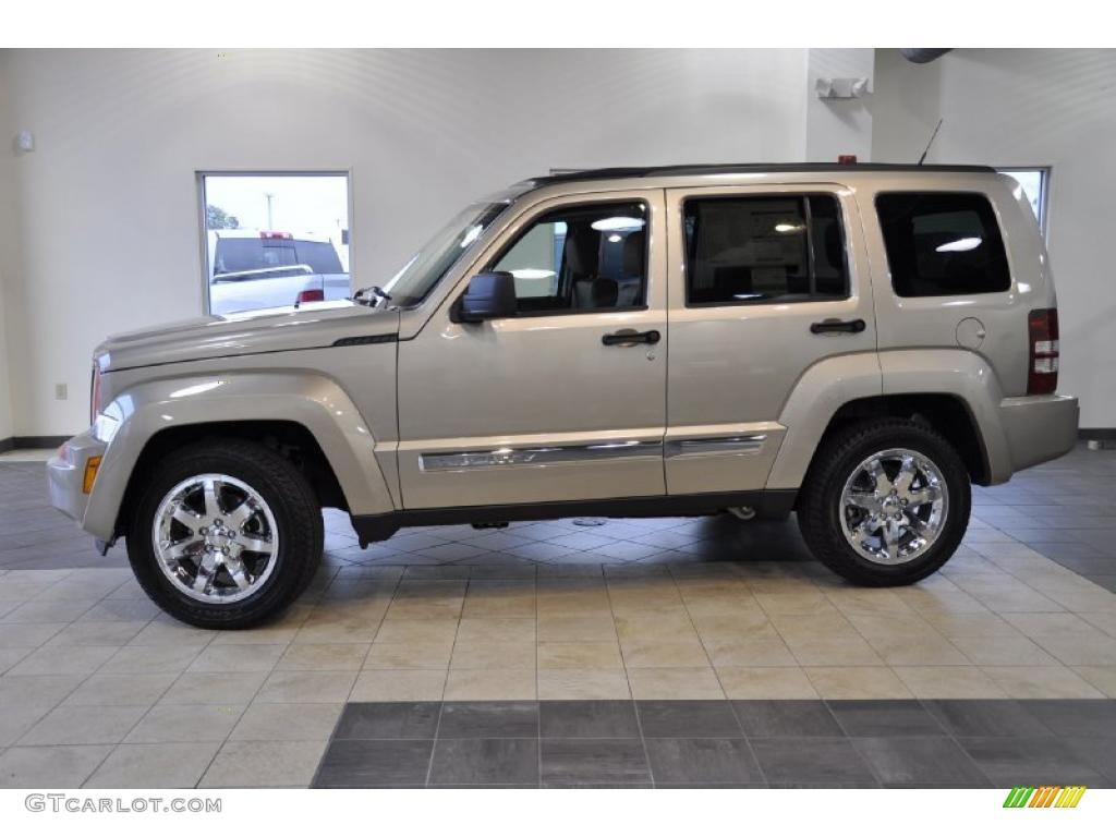 2011 light sandstone metallic jeep liberty limited #42440233