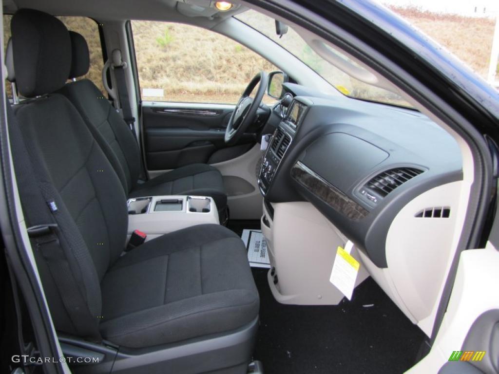 Black Light Graystone Interior 2011 Dodge Grand Caravan Mainstreet Photo 42535489