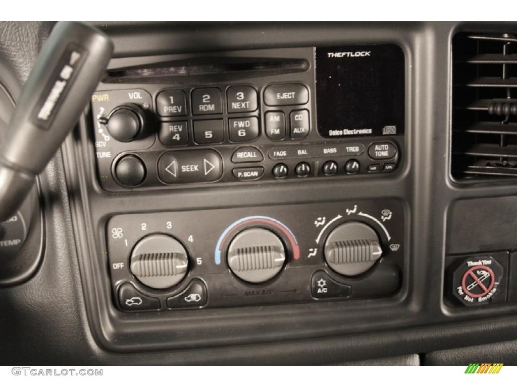 2002 Silverado 1500 LS Regular Cab - Onyx Black / Graphite Gray photo #10