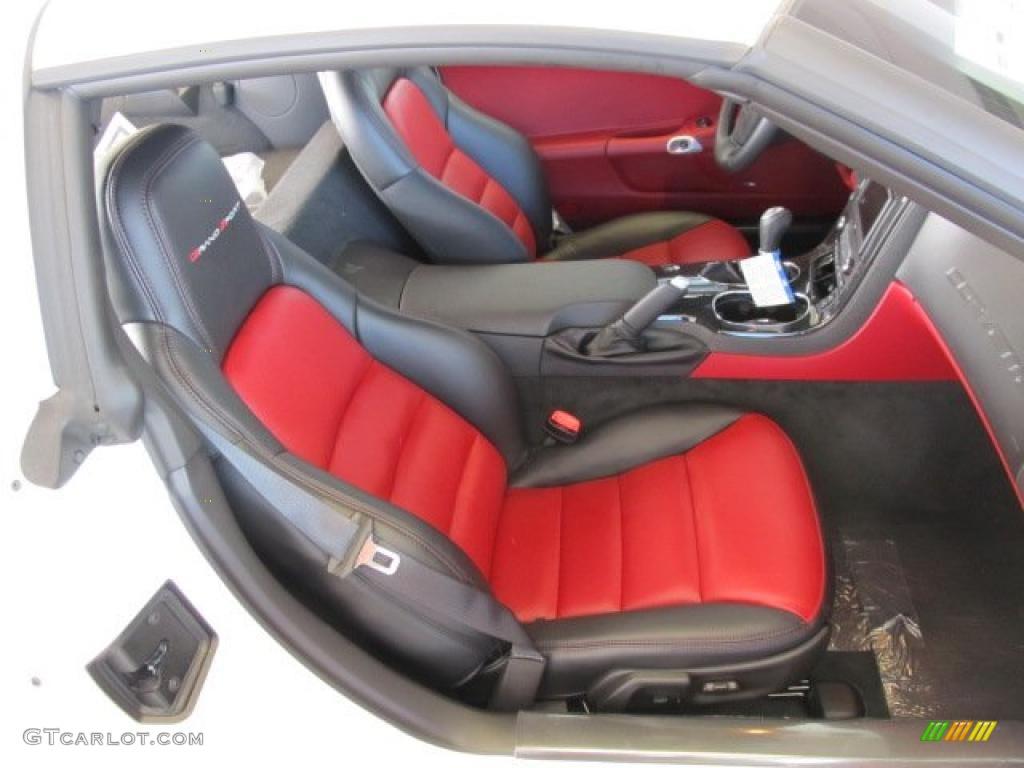 Red Interior 2011 Chevrolet Corvette Grand Sport Coupe Photo 42600592