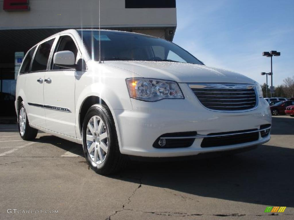 2011 stone white chrysler town country touring l for Stone s town country motors