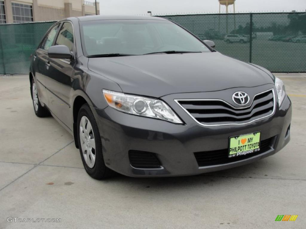 Magnetic gray metallic 2011 toyota camry le exterior photo 42790665