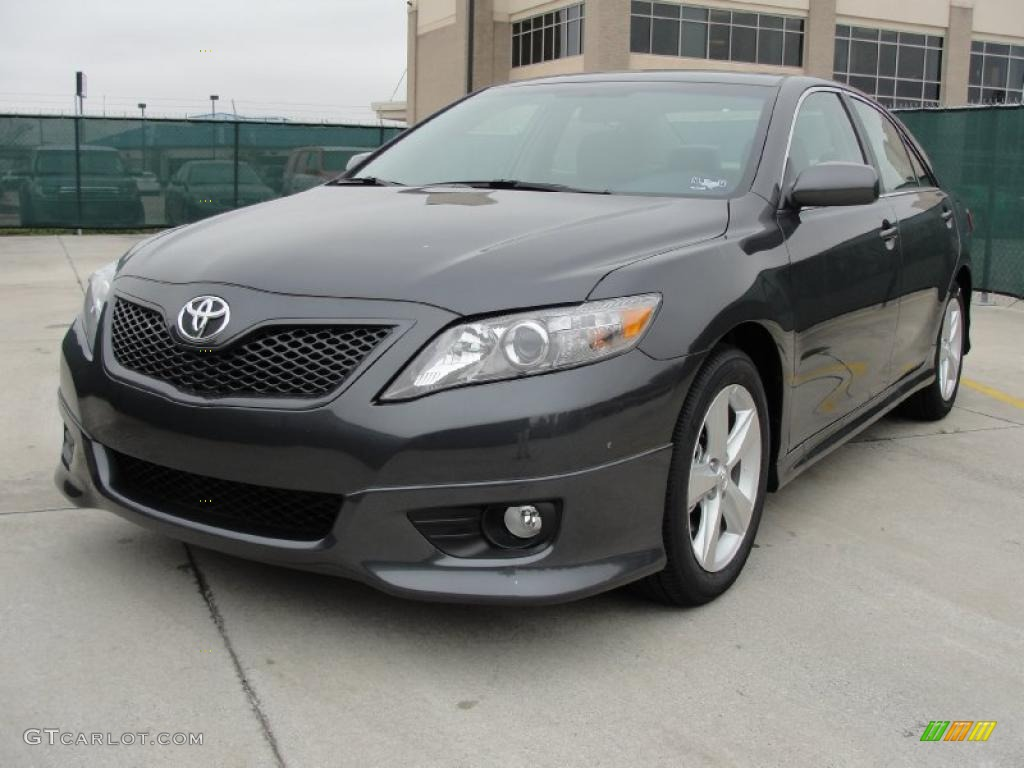 magnetic gray metallic 2011 toyota camry se exterior photo 42792849. Black Bedroom Furniture Sets. Home Design Ideas