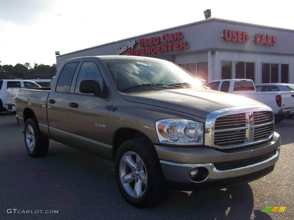 2008 light khaki metallic dodge ram 1500 big horn edition quad cab 4276085 car. Black Bedroom Furniture Sets. Home Design Ideas