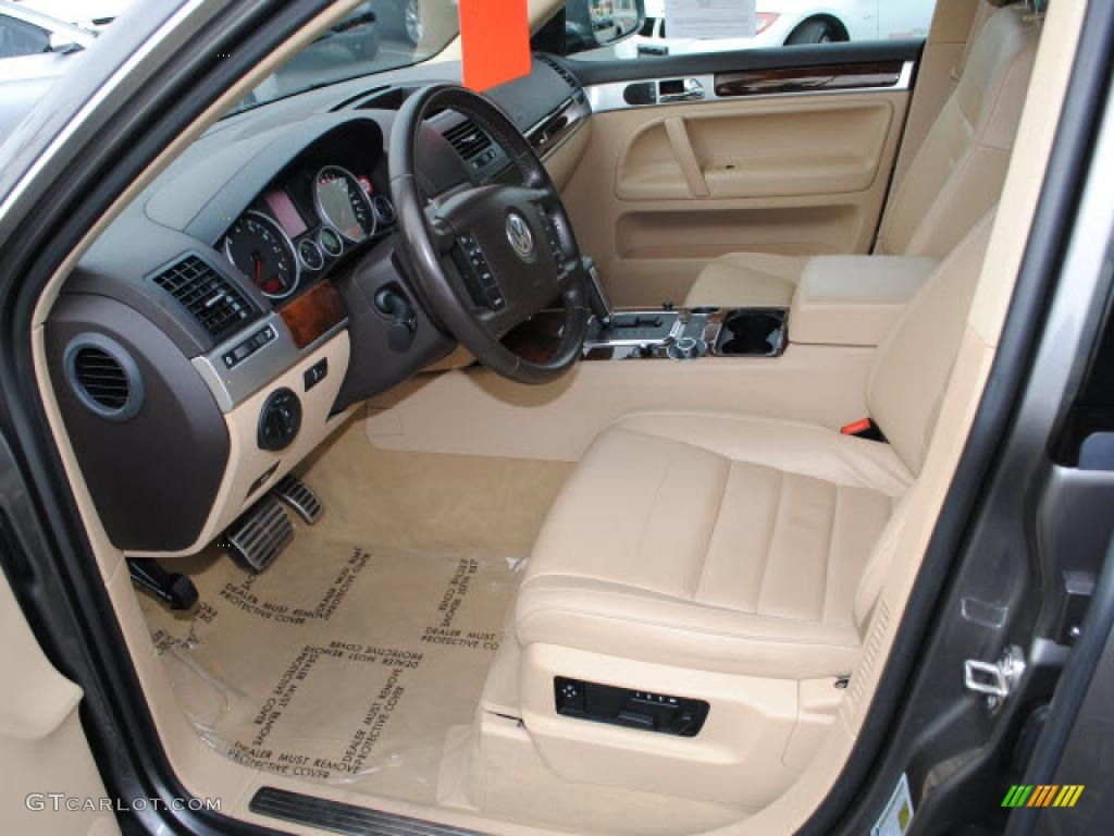 pure beige interior 2008 volkswagen touareg 2 v8 photo 42876579. Black Bedroom Furniture Sets. Home Design Ideas