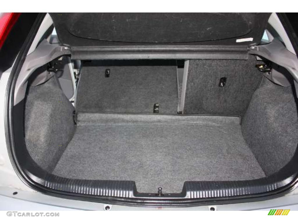 2004 ford focus zx5 hatchback trunk photo 42929287. Black Bedroom Furniture Sets. Home Design Ideas