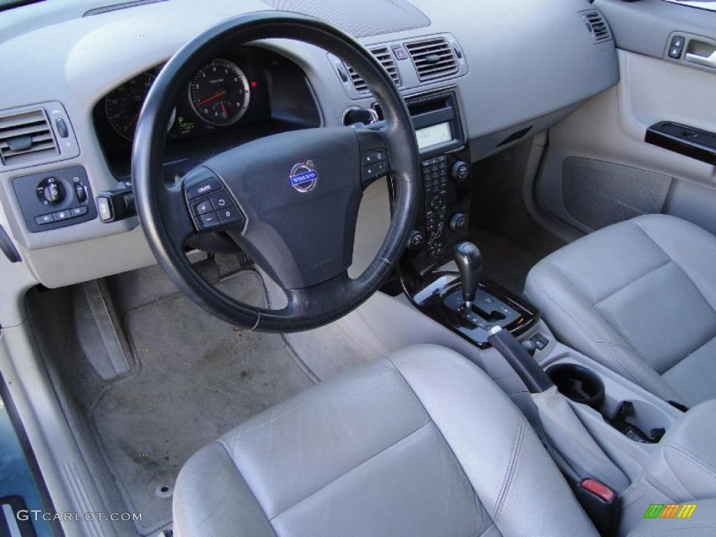 2004 volvo s40 t5 interior photo 42956863