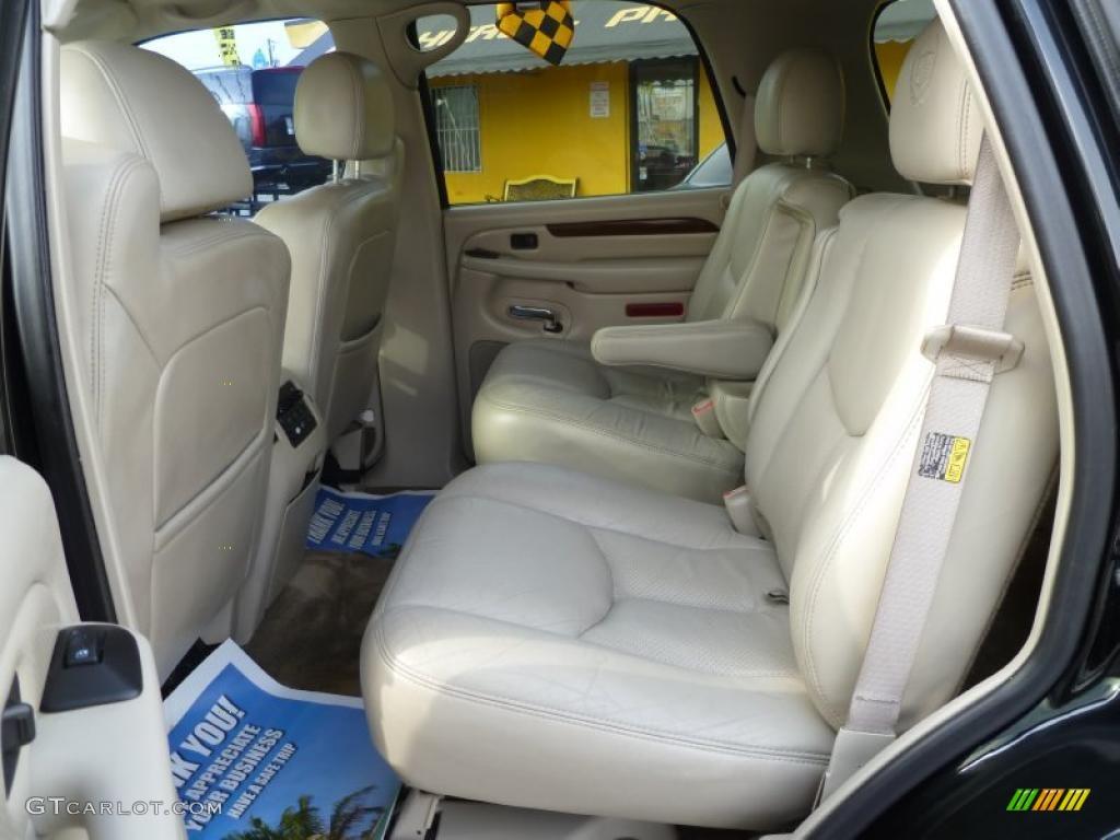 Shale Interior 2004 Cadillac Escalade Standard Escalade Model Photo 42962427 Gtcarlot Com