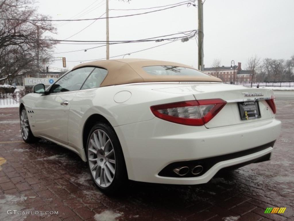 Bianco Eldorado White 2011 Maserati Granturismo