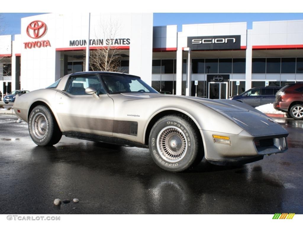 1982 Silver Beige Chevrolet Corvette Collector Edition