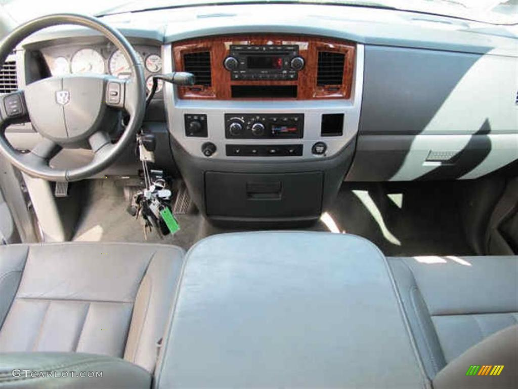 2007 Dodge Ram 3500 Laramie Quad Cab 4x4 Dually Medium Slate Gray Dashboard Photo #43014771