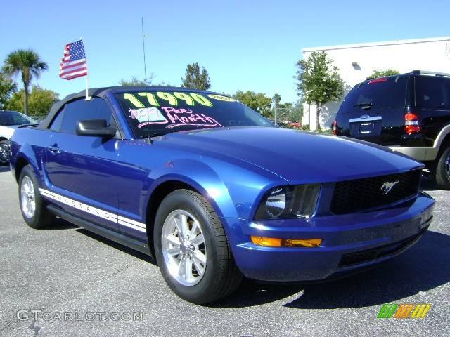 2007 Mustang V6 Deluxe Convertible - Vista Blue Metallic / Light Graphite photo #1