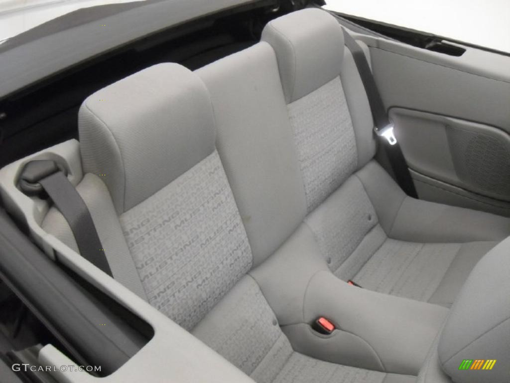 Light Graphite Interior 2005 Ford Mustang V6 Deluxe Convertible Photo 43158156