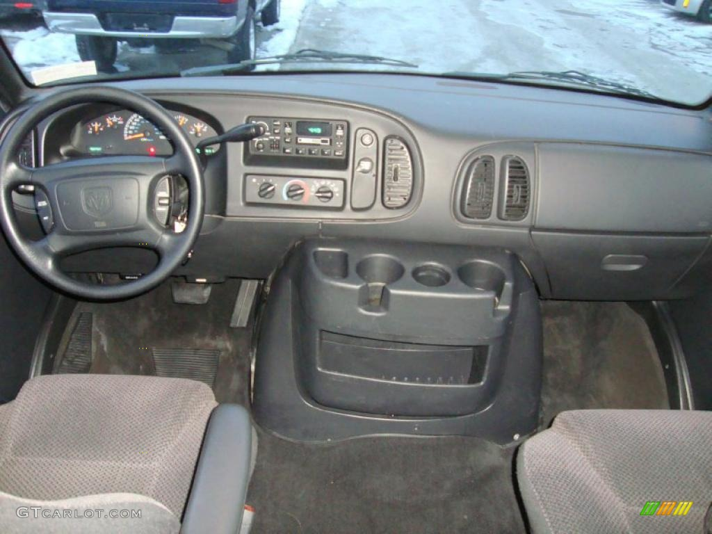 2002 Dodge Ram Van 1500 Penger Dark Slate Gray Dashboard Photo 43208618