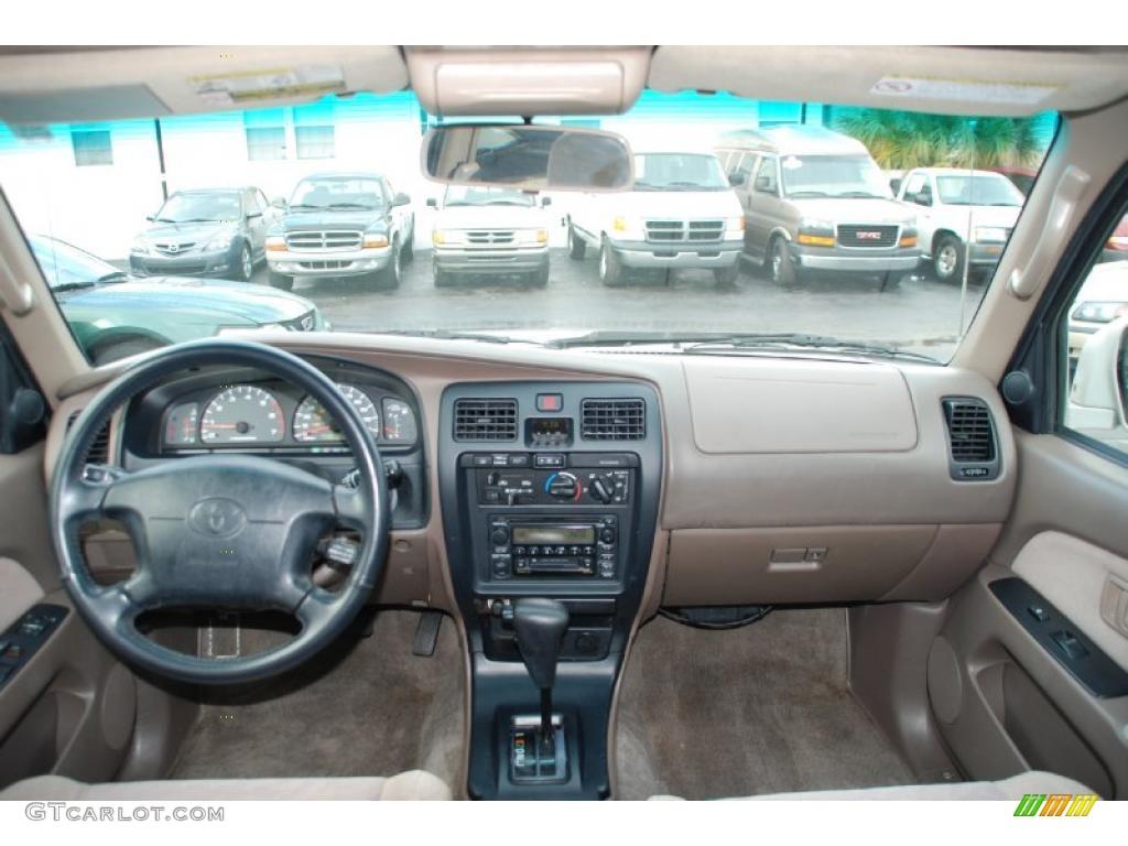 2000 Toyota 4Runner SR5 Oak Dashboard Photo #43217642