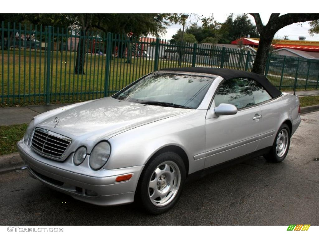1999 brilliant silver metallic mercedes benz clk 320 convertible 43184814 car. Black Bedroom Furniture Sets. Home Design Ideas