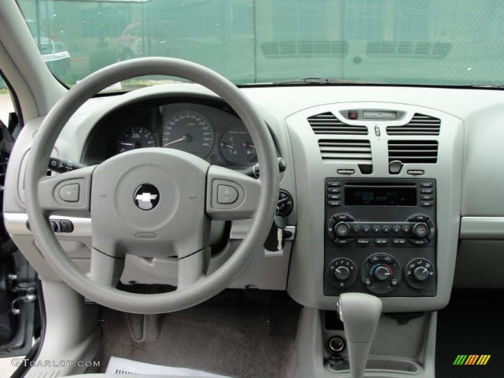 2005 Chevrolet Malibu Maxx LS Wagon Gray Dashboard Photo #43246574