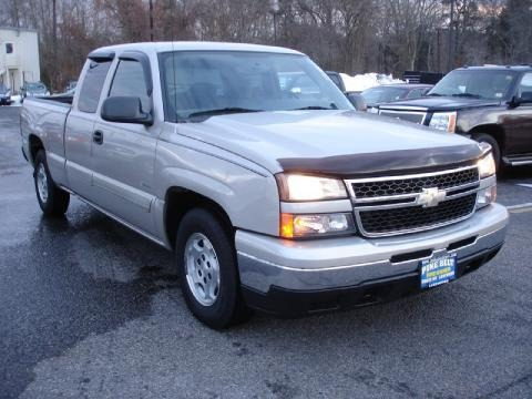 2006 Chevrolet Silverado 1500 LS Extended Cab Data, Info and Specs