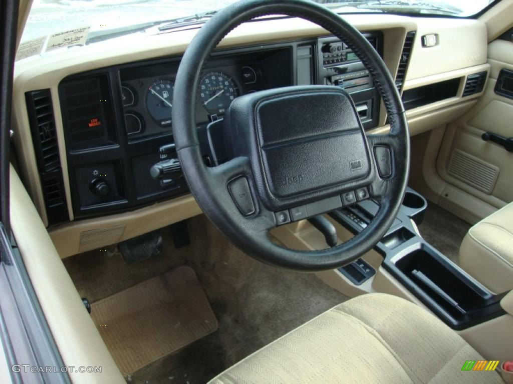 Tan interior 1996 jeep cherokee se 4wd photo 43371004 1993 jeep grand cherokee interior