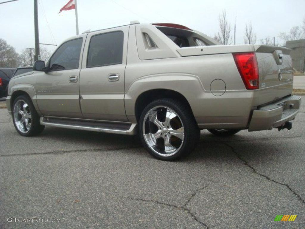 details sale for escalade in ext cadillac co a woodhaven at mi inventory trading l