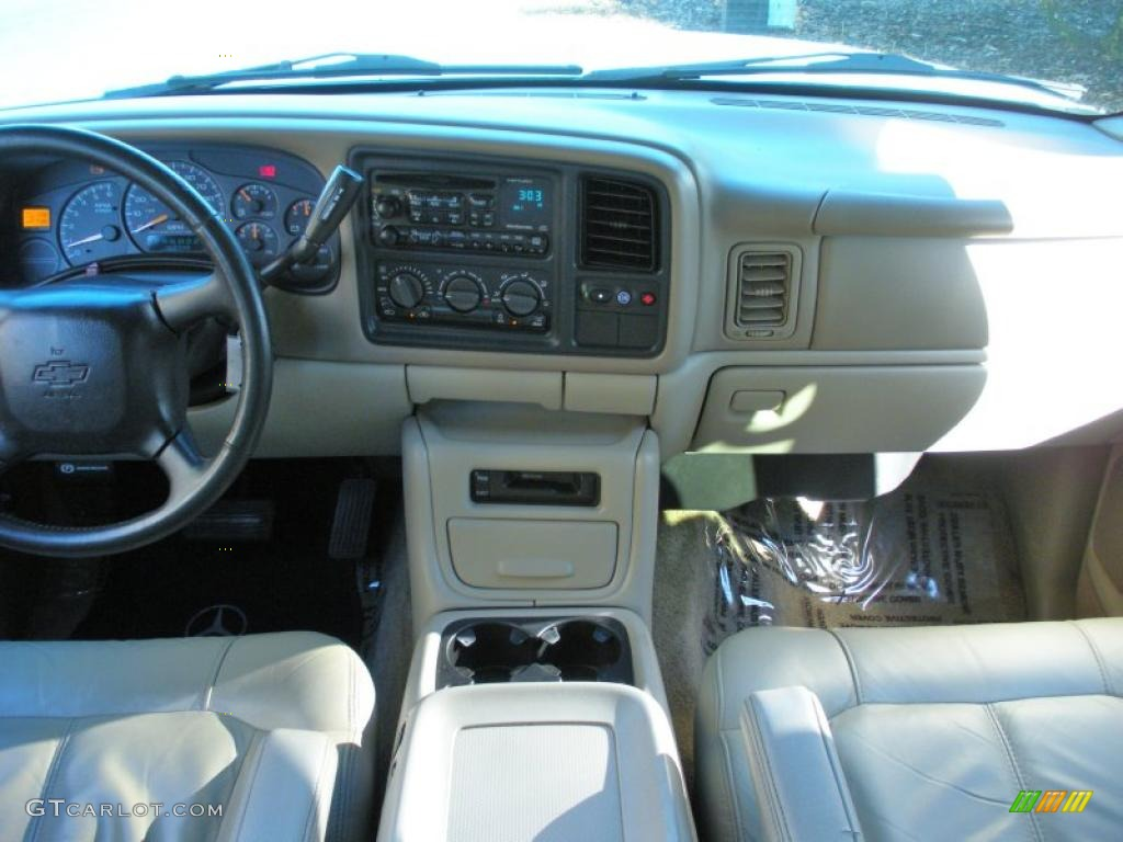 2001 chevrolet suburban 1500 z71 tan dashboard photo. Black Bedroom Furniture Sets. Home Design Ideas