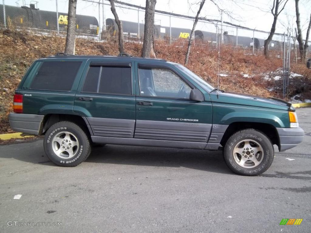 Forest Green Pearlcoat 1996 Jeep Grand Cherokee Laredo 4x4 Exterior Photo  #43475746