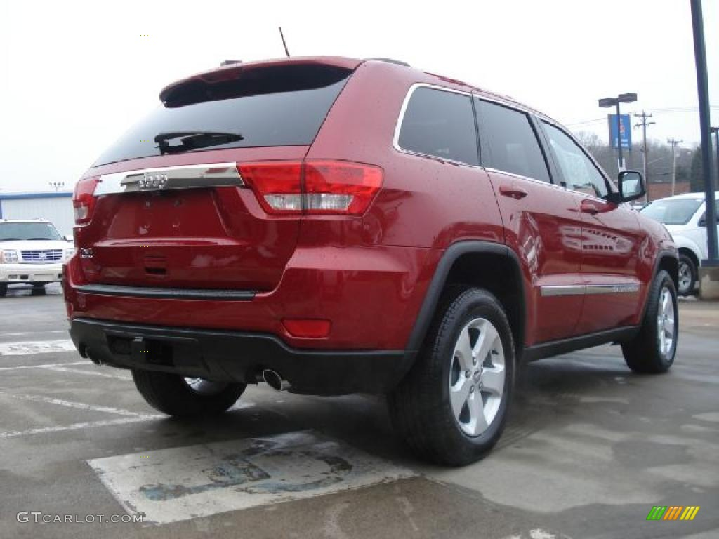 2015 grand cherokee limited and laredo autos post. Black Bedroom Furniture Sets. Home Design Ideas