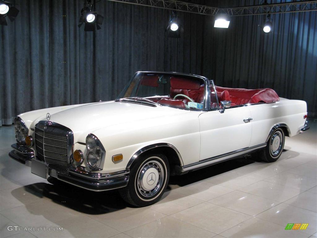 1971 white mercedes benz s class 280se 3 5 convertible for Mercedes benz s class colours