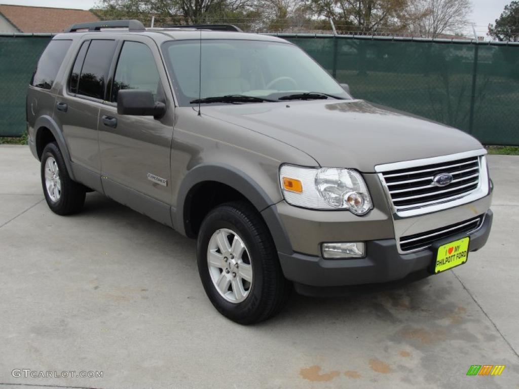 2006 Mineral Grey Metallic Ford Explorer XLT 43556259 Car C