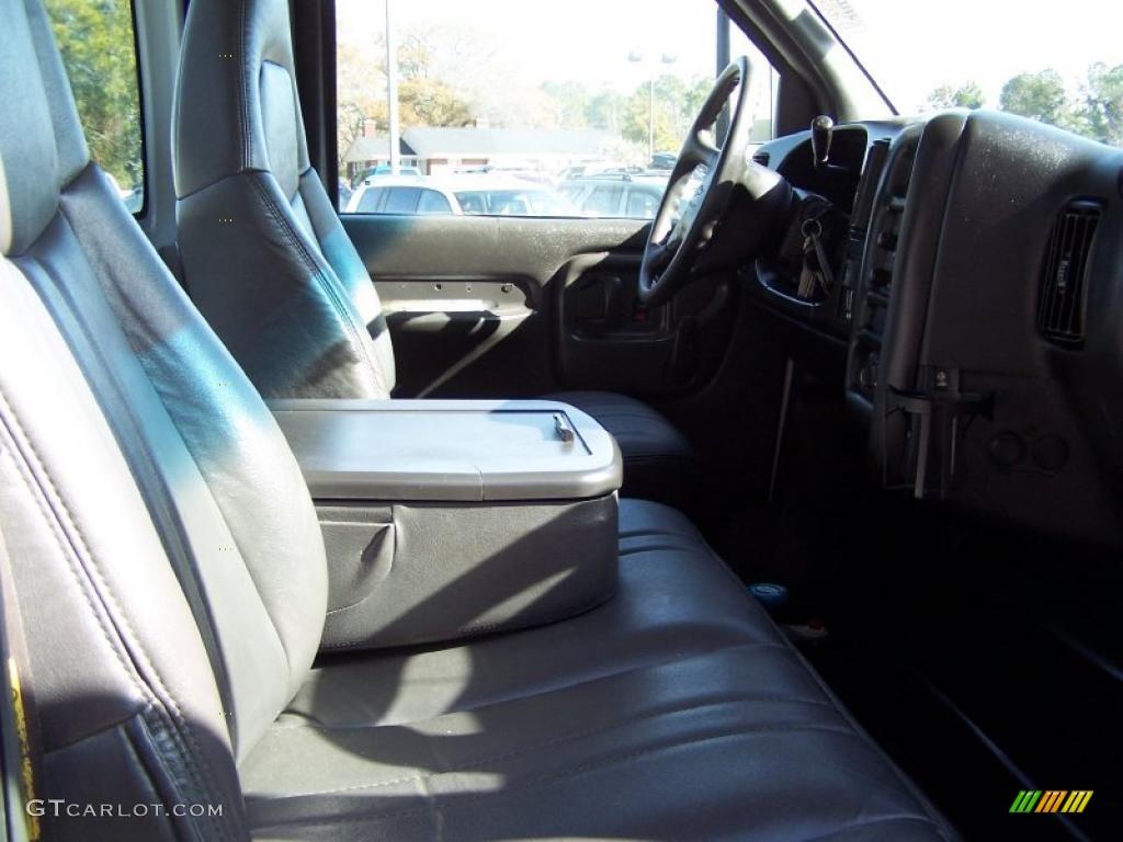 2004 C Series Kodiak C4500 Crew Cab Utility Dump Truck - Summit White / Black photo #19