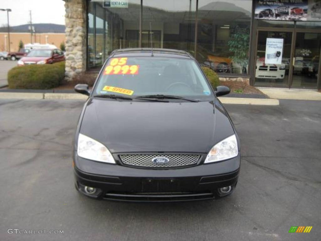 2005 Focus ZX4 ST Sedan - Pitch Black / Charcoal/Charcoal photo #2