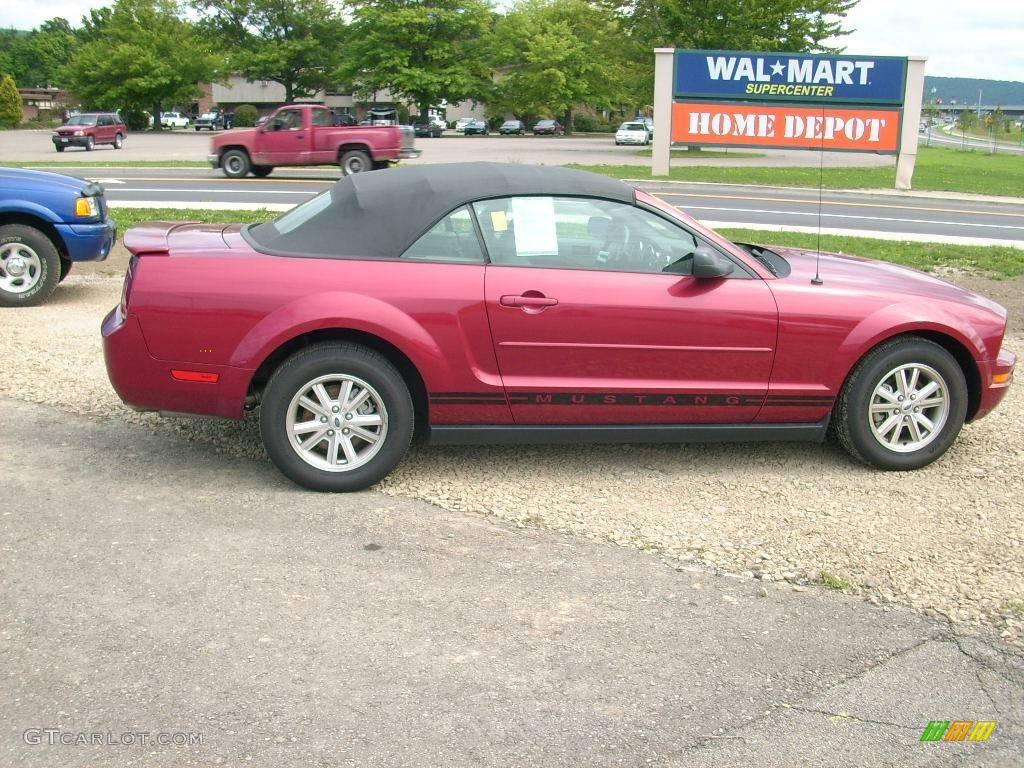 2007 Mustang V6 Deluxe Convertible - Redfire Metallic / Dark Charcoal photo #2