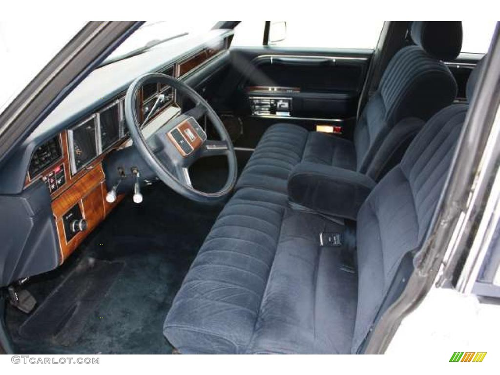 dark blue interior 1989 lincoln town car standard town car model photo 43784942. Black Bedroom Furniture Sets. Home Design Ideas