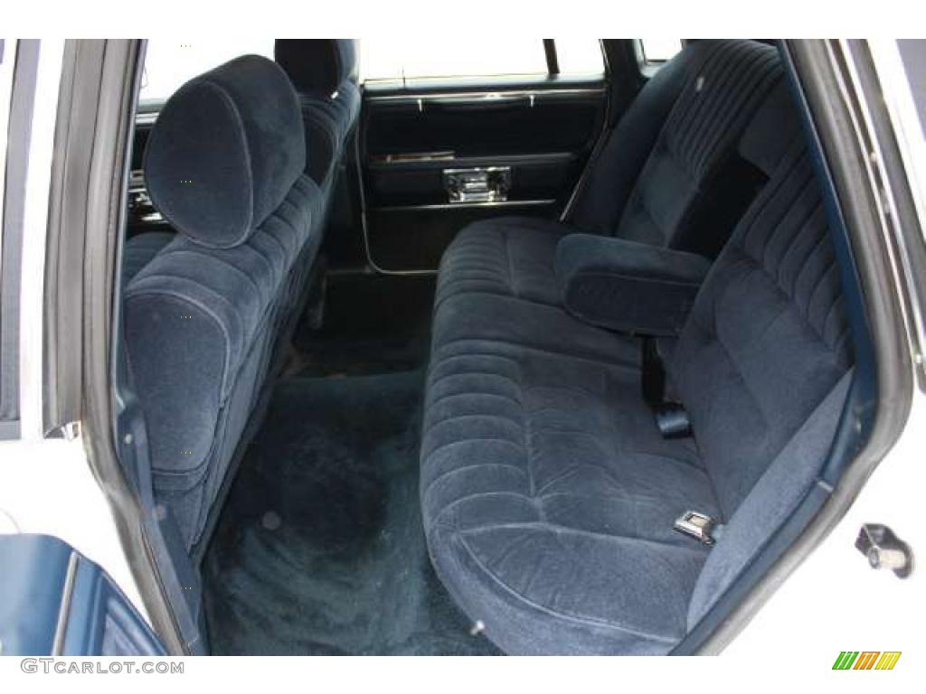 dark blue interior 1989 lincoln town car standard town car model photo 43785126. Black Bedroom Furniture Sets. Home Design Ideas