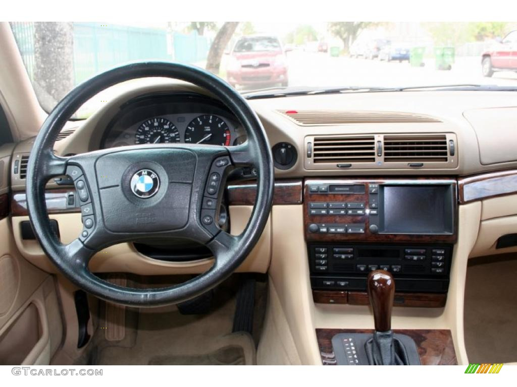 2000 BMW 740 Li http://gtcarlot.com/data/BMW/7+Series/2000/7143420/Dashboard-43789742.html