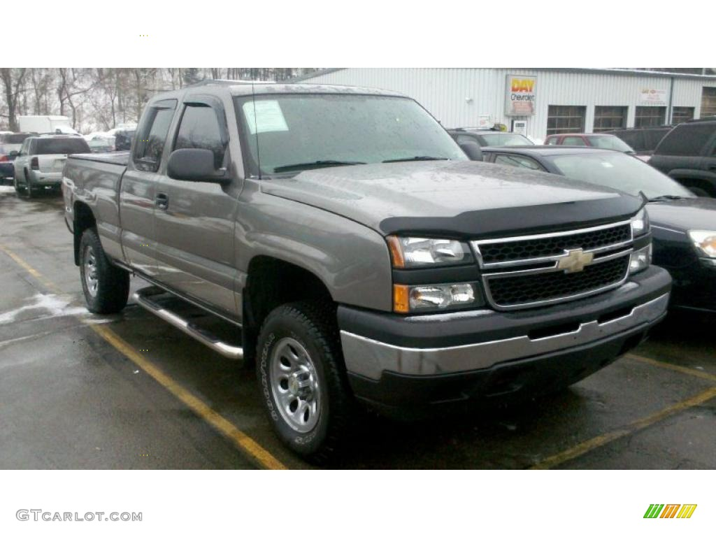 2007 graystone metallic chevrolet silverado 1500 classic ls extended cab 4x4 43879908. Black Bedroom Furniture Sets. Home Design Ideas