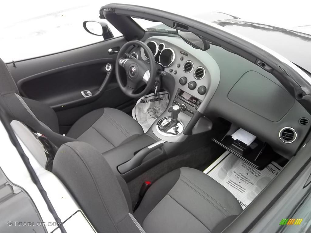Ebony Interior 2009 Pontiac Solstice Roadster Photo 43989088