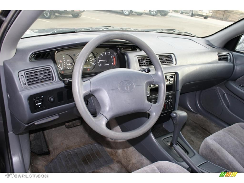 Gray interior 1998 toyota camry le photo 44013704