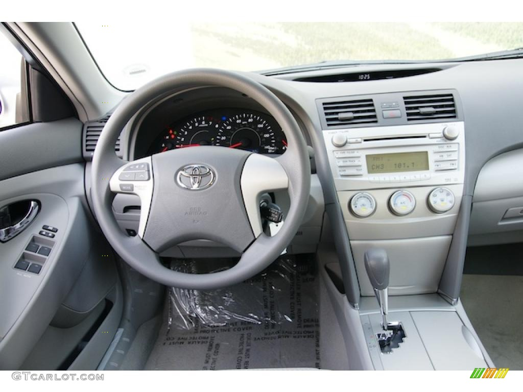 2011 toyota camry le interior photo 44109946. Black Bedroom Furniture Sets. Home Design Ideas