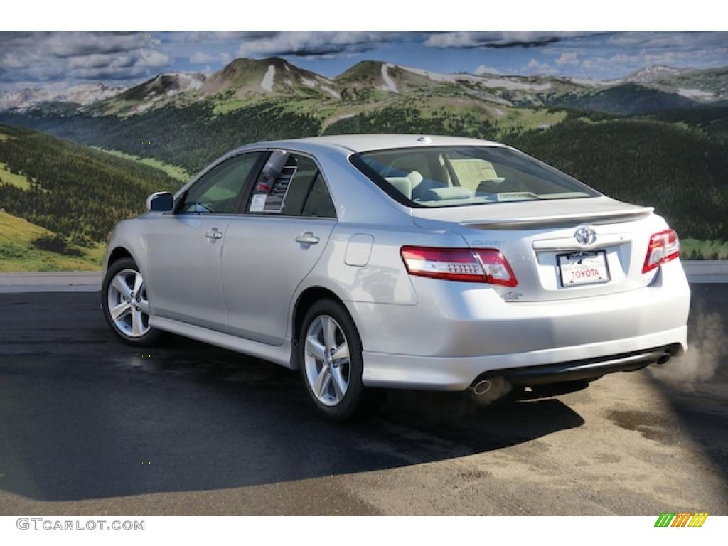Classic silver metallic 2011 toyota camry se exterior photo 44112394 magnetic gray