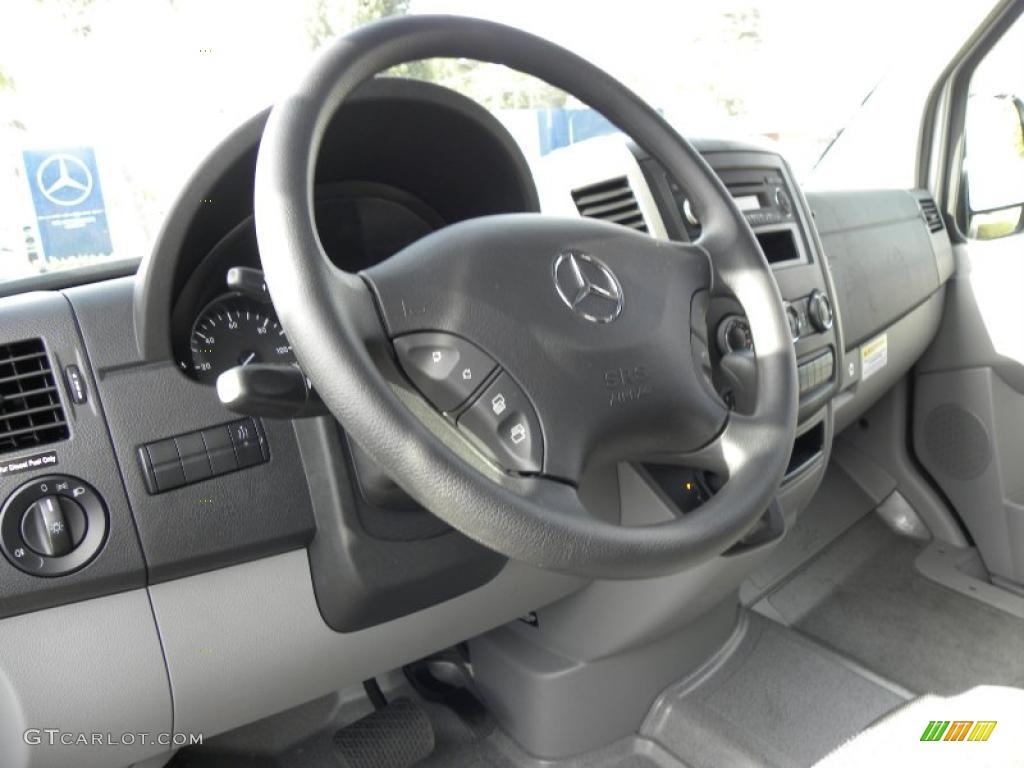 2010 mercedes benz sprinter 2500 high roof passenger van for Mercedes benz sprinter wheels