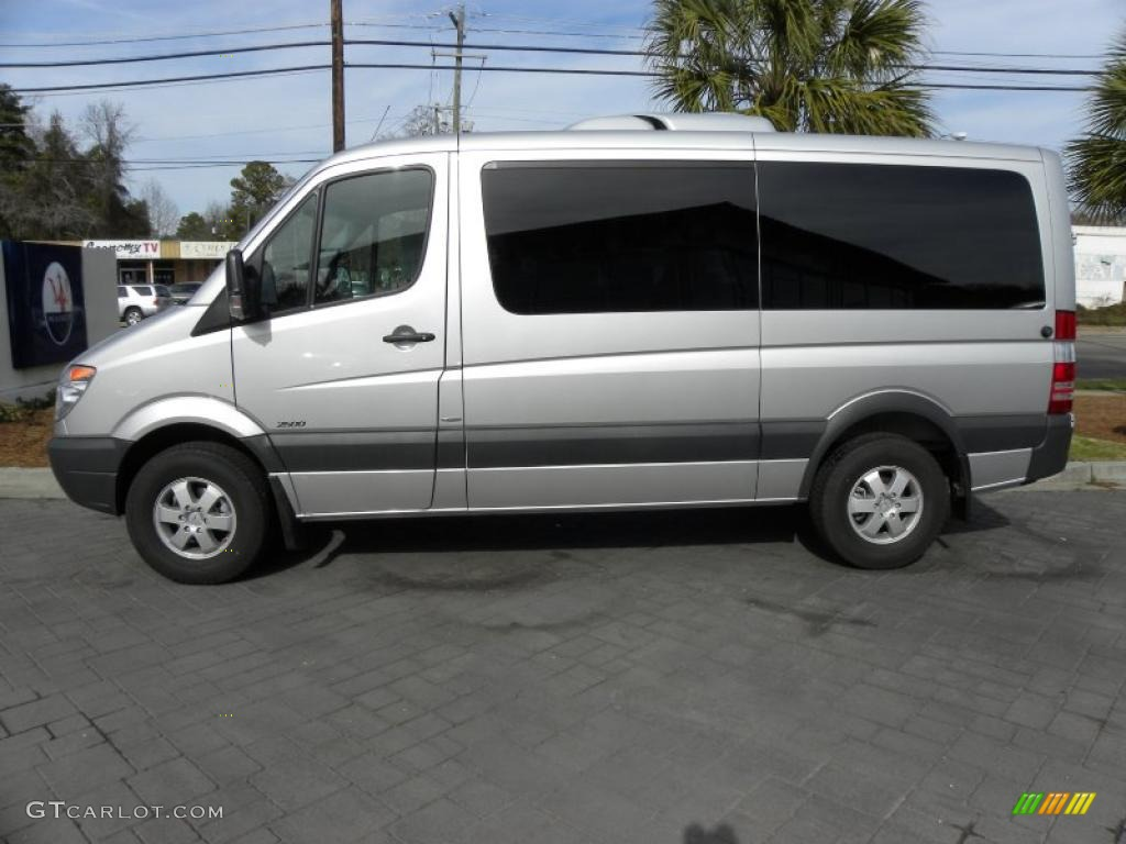 Brilliant silver metallic 2011 mercedes benz sprinter 2500 for Mercedes benz sprinter passenger