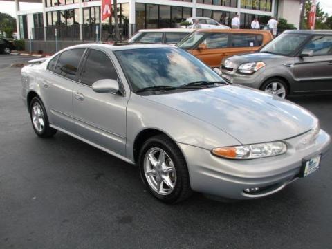 2000 Oldsmobile Alero GLS Sedan Data, Info and Specs