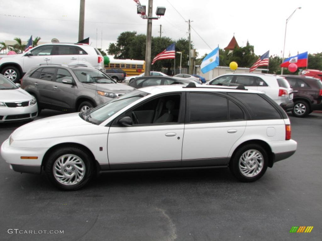 White 1998 saturn s series sw2 wagon exterior photo 44189995 gtcarlot com