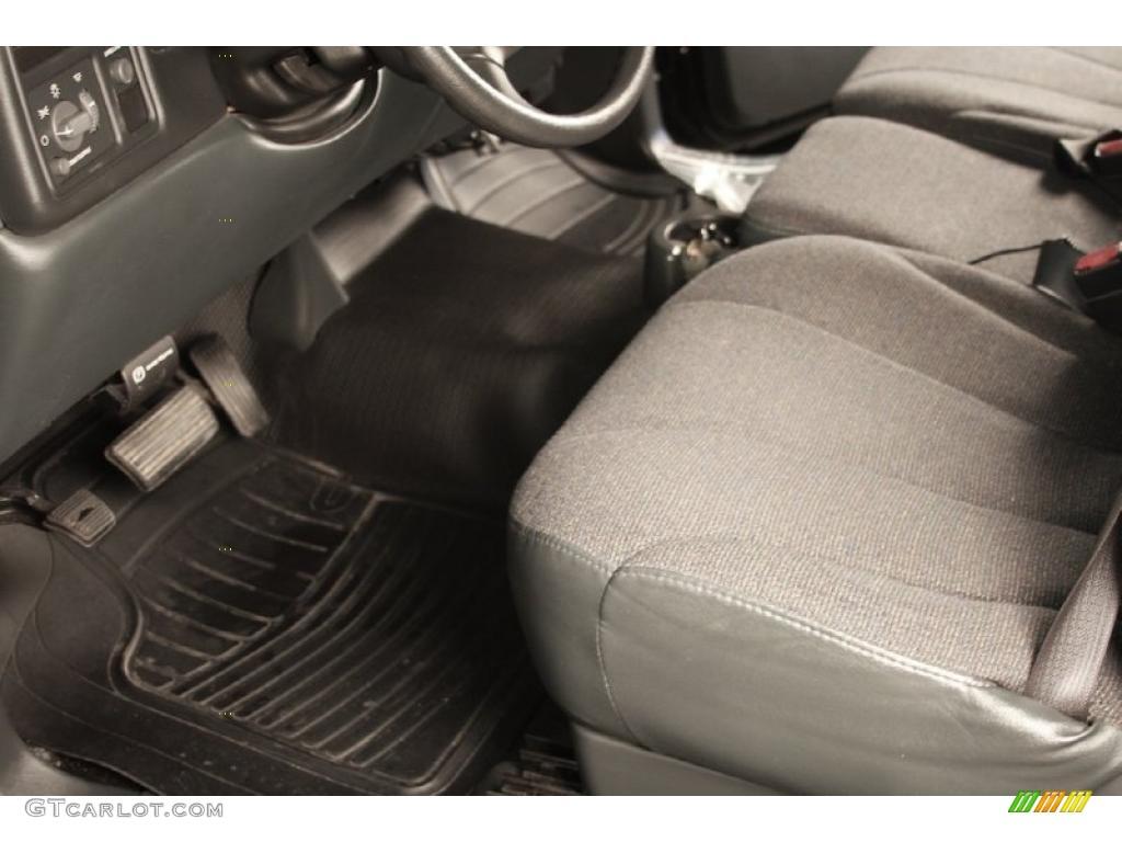 2002 Silverado 1500 LS Regular Cab - Onyx Black / Graphite Gray photo #6