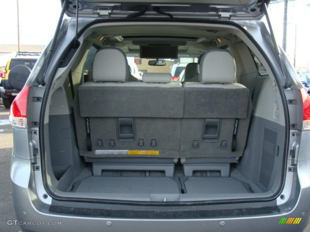 toyota sienna cargo. Black Bedroom Furniture Sets. Home Design Ideas