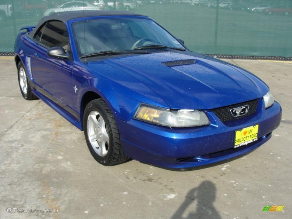 2002 Mustang V6 Convertible - Sonic Blue Metallic / Medium Graphite photo #1
